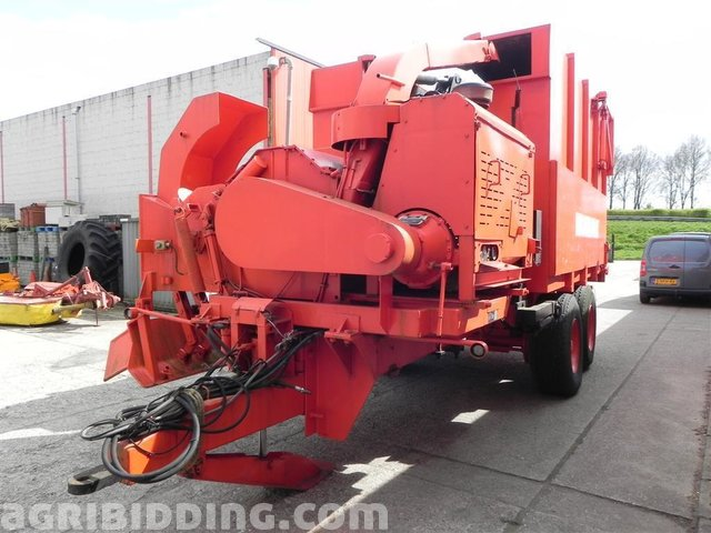 Wood chipper with wood crane Morbark, 2400, 1997/2000